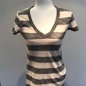 Gap striped t shirt